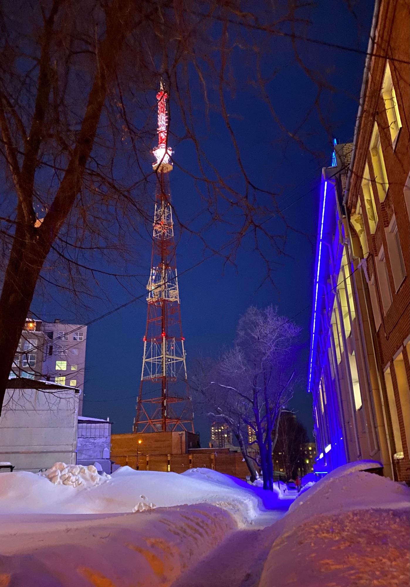 Эйфелева башня зимой