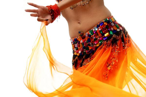 кто танцует на праздниках у арабов приличные или нет женщины