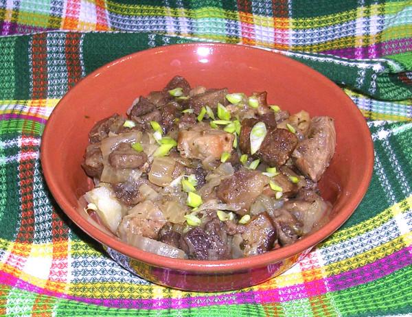 мясо с капустой и грибами