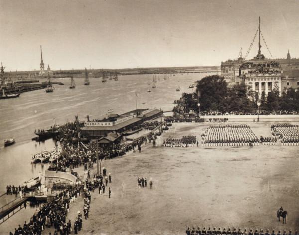 Вид Невы во время отправления процессии из Крепости к памятнику императора Петра Великого 30 мая 1872