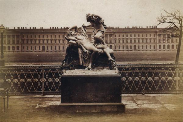 Скульптурная группа Амур и Психея в Летнем саду, 1880-е