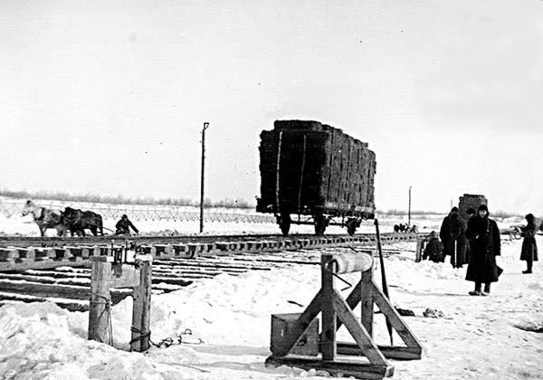 Саратовская Ледяная переправа через Волгу у станции Увек 1927