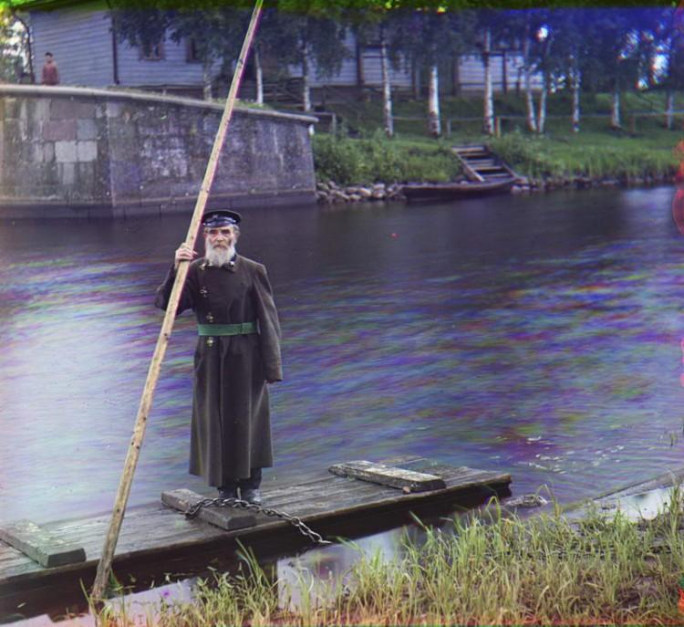 1909. Пинхус Карлинский, 84 лет. 66 лет на службе. Надсмотрщик Черняховского водоспуска