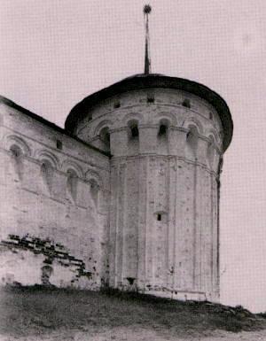 Юго-восточная башня Макарьева Калязинского монастыря. Фот. 1930-х гг.