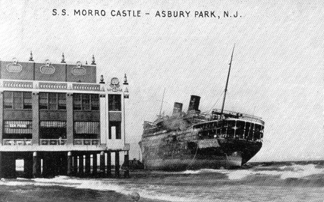Morro Castle у берега в Asbury park