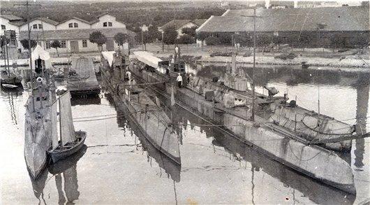 Подводные лодки в Бизерте