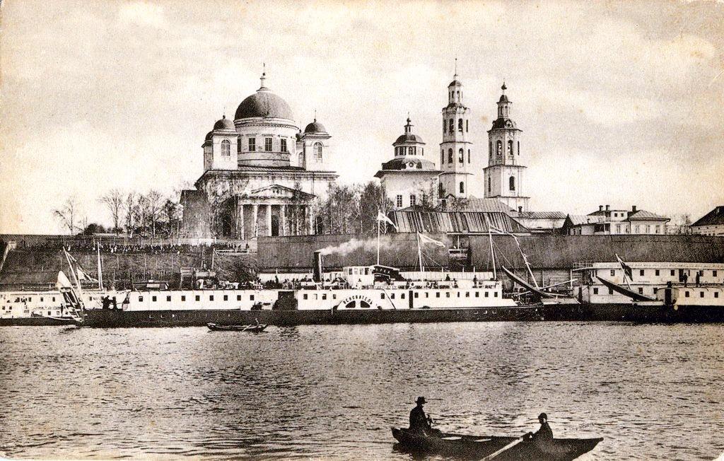 Троицкий-собор и пристань