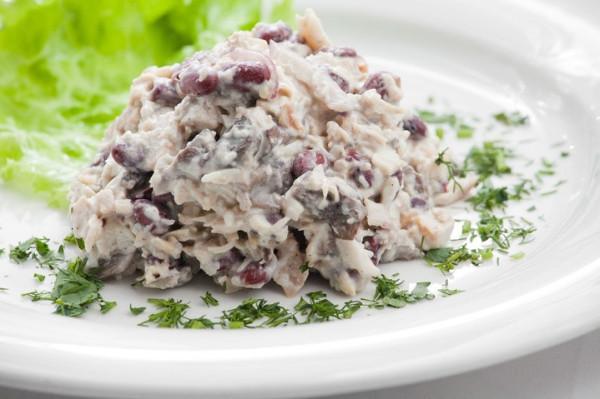 Фоторецепт салат с красной фасолью