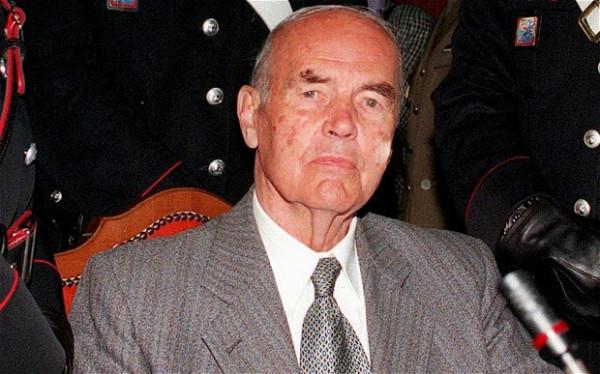 Эрих Прибке