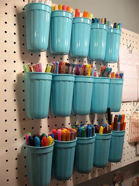 plastic_cup_pen_storage1