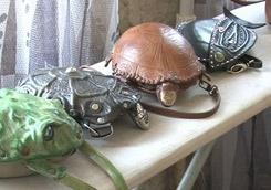 Лягушки, рыбки и драконы. Кожаных дел мастерица делает эксклюзивные сумки в виде разнообразных животных - Новости Харькова и Хар