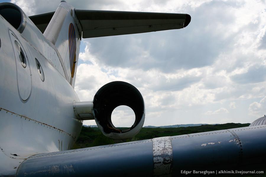 Як-40: обрезанные крылья