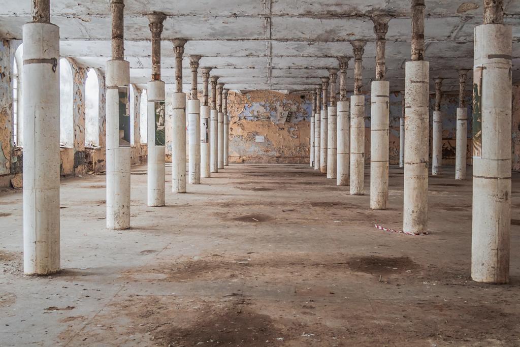 Заброшенные интерьеры на фабрике Кренгольм в Нарве