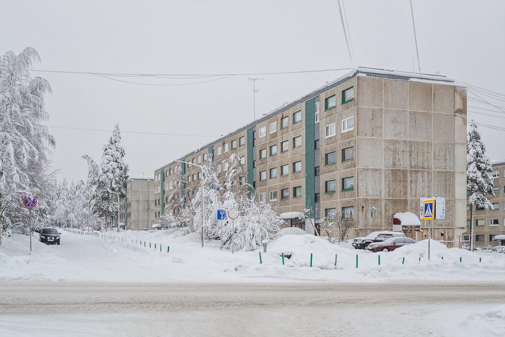Улица Мира в Костомукше зимой