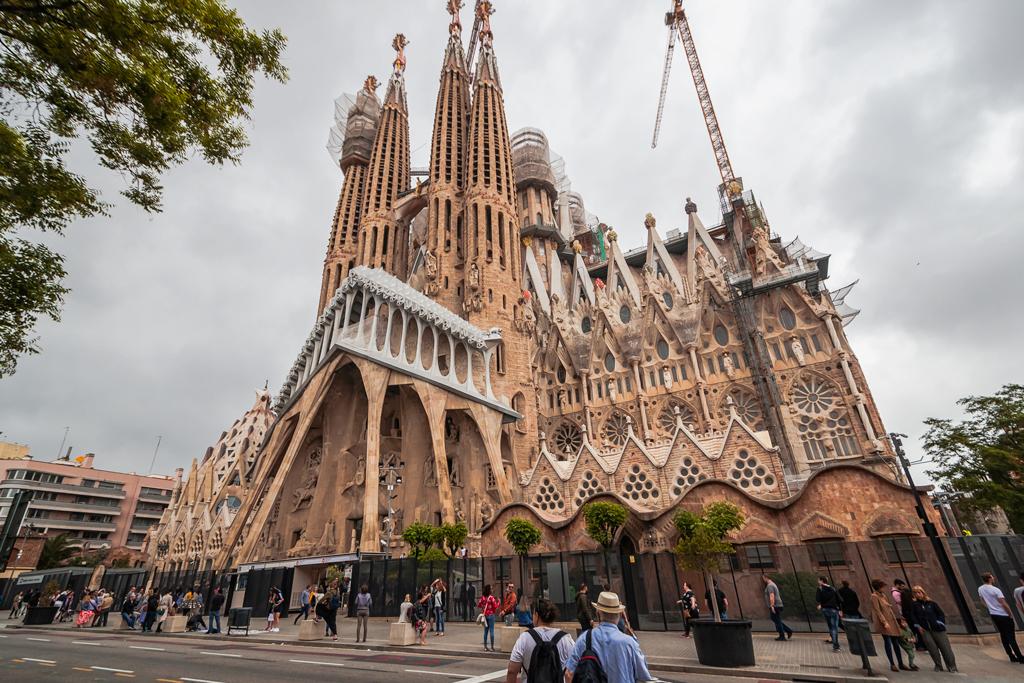 Саграда де Фамилия или Храм Святого Семейства в Барселоне