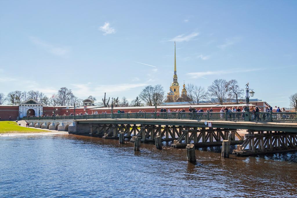 Иоанновский мост, самый старый мост в Петербурге у Петропавловской крепости