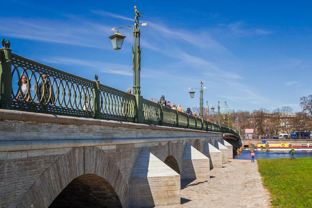 Каменные основания Иоанновского моста