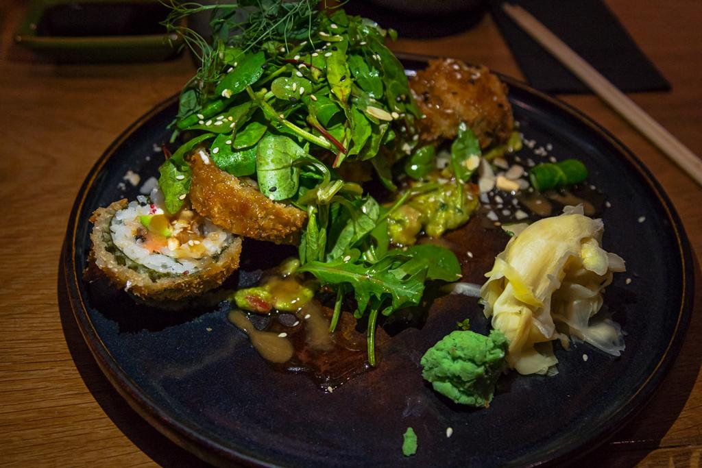 Ролл темпура креветка в меню ресторана Subzero на улице Рубинштейна в Санкт-Петербурге