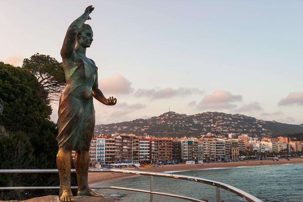 Памятник Донна Маринера в Льорет Де Мар. Lloret De Mar