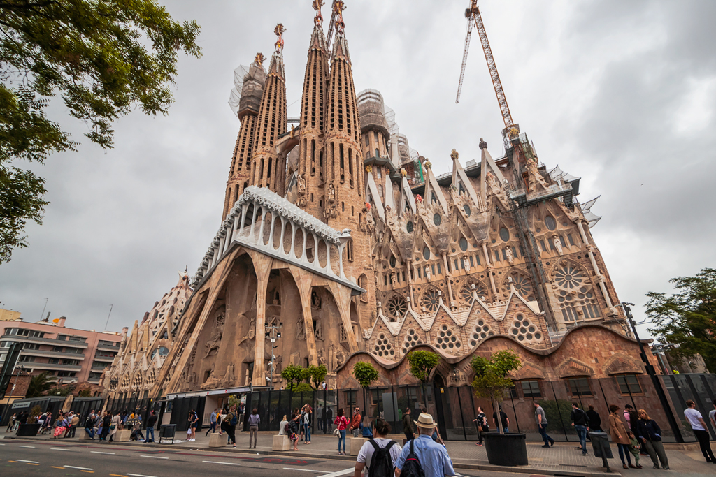 Саграда де Фамилия или Храм Великого Семейства в Барселоне, Антонио Гауди