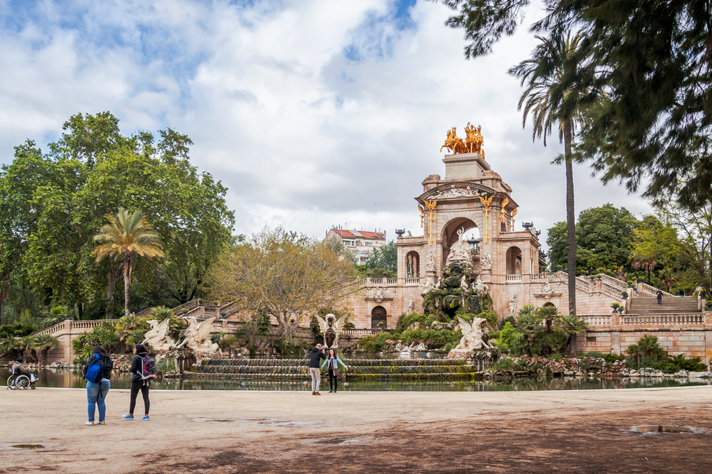 Фонтан Каскад в парке Цитадели в городе Барселона