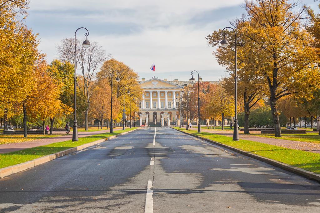 Смольный дворец и институт осенью. Осенние фотографии Смольного