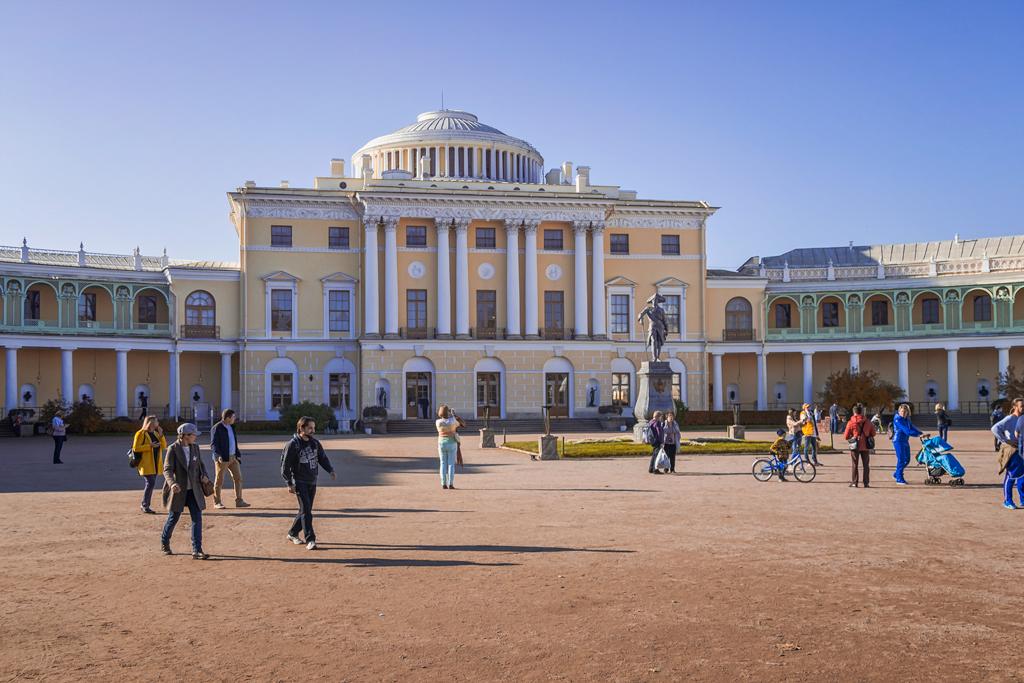 Павловский дворец в Павловске