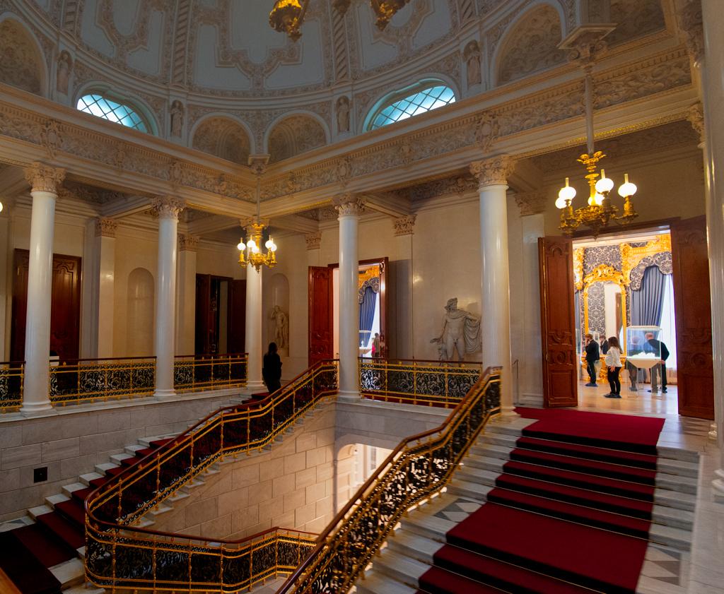 Парадная лестница дворца Наршкиных-Трубецких, Музей Фаберже