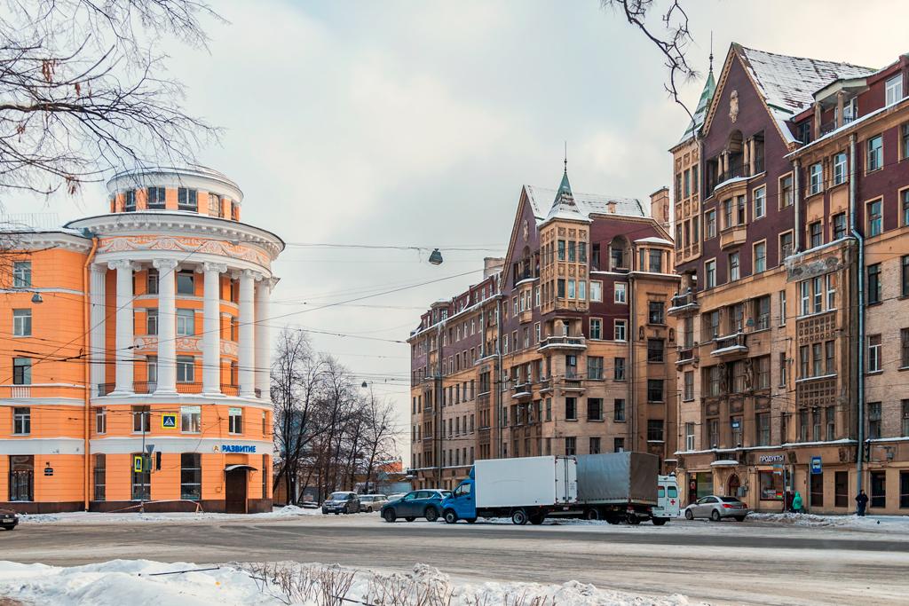 Какашечно-канализационная тема Петербурга