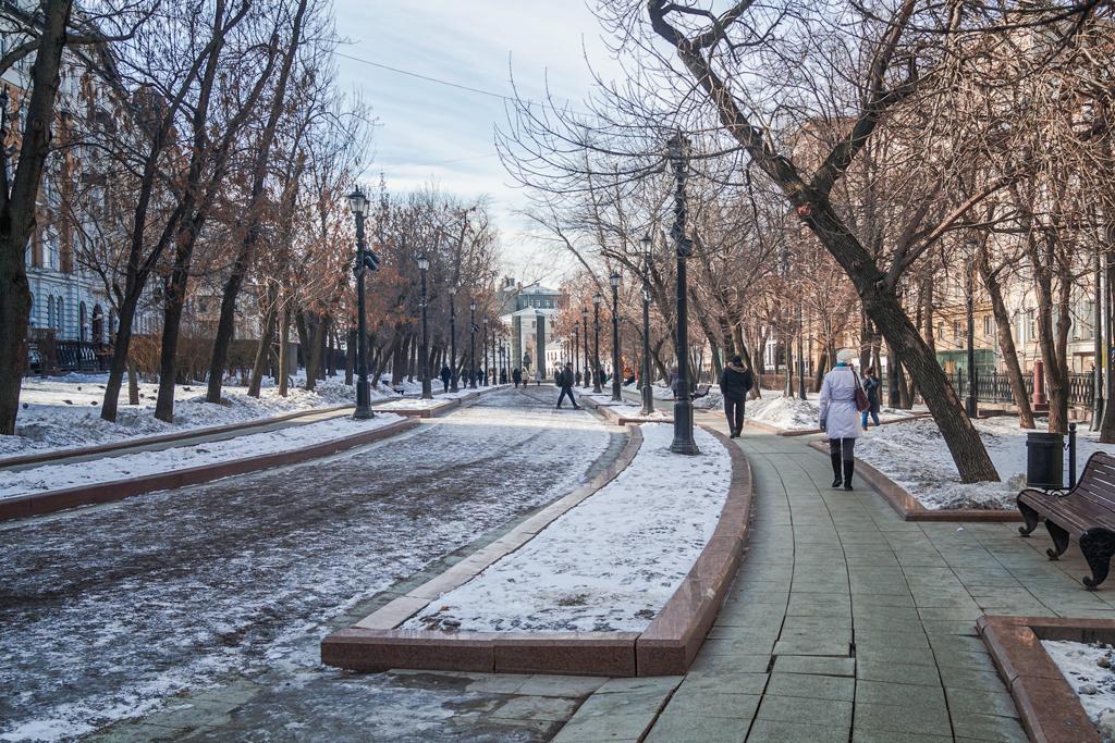 Москва, по ком звонят твои колокола?