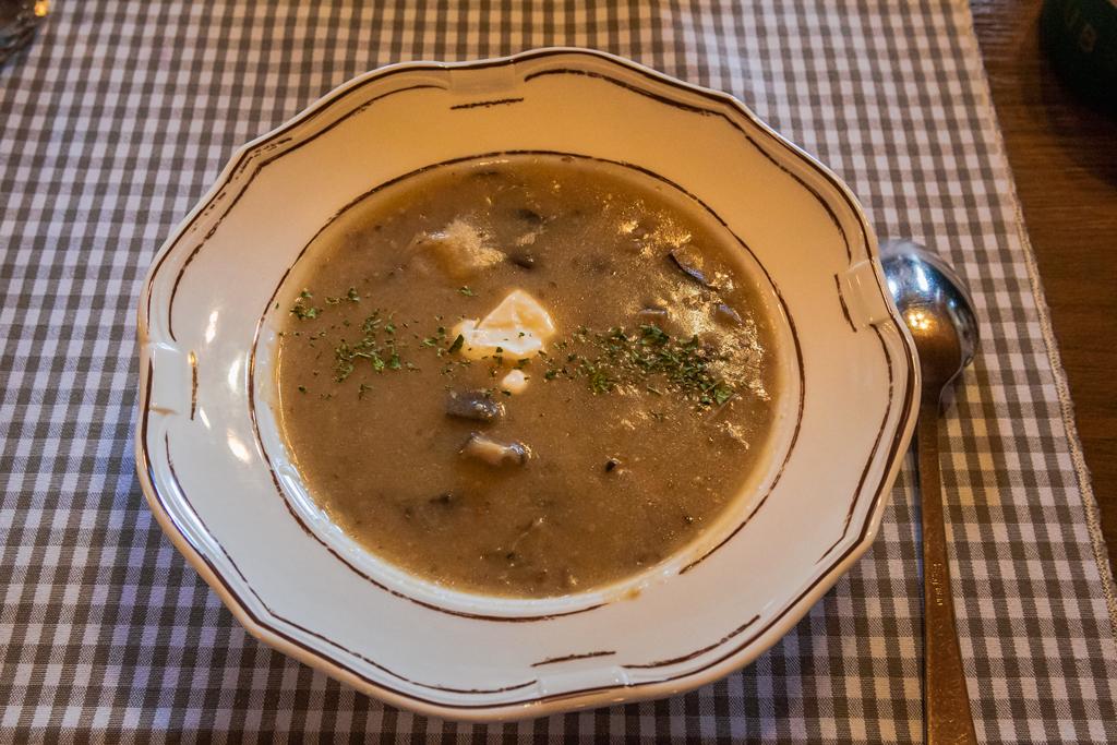 Гобова юха (Gobova juha) - грибной суп в Словении