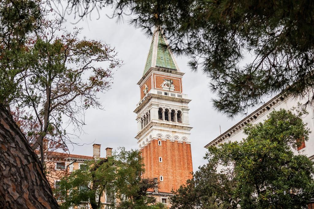 Как раздолбали главный символ Венеции?