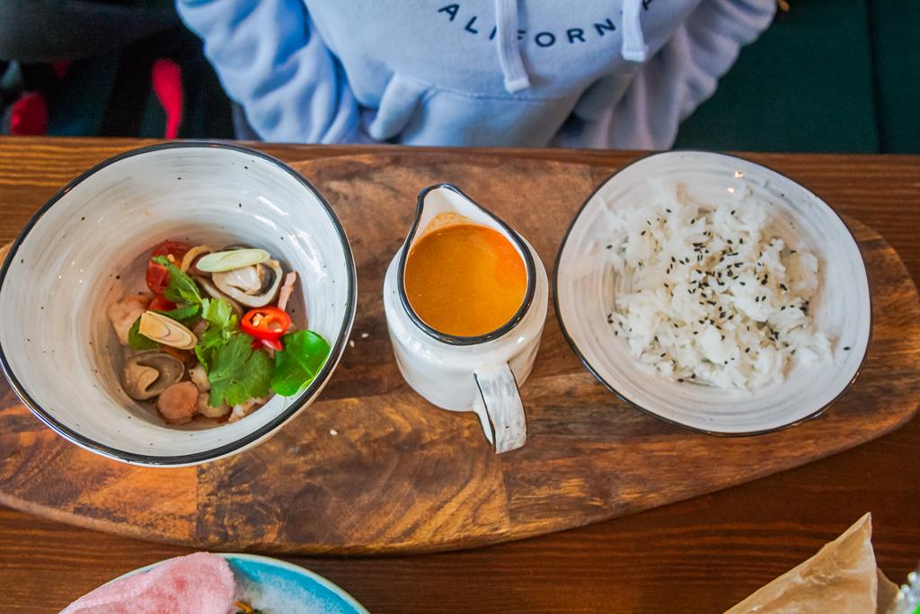 Том ям в кафе Kuta в Порт Севкабель