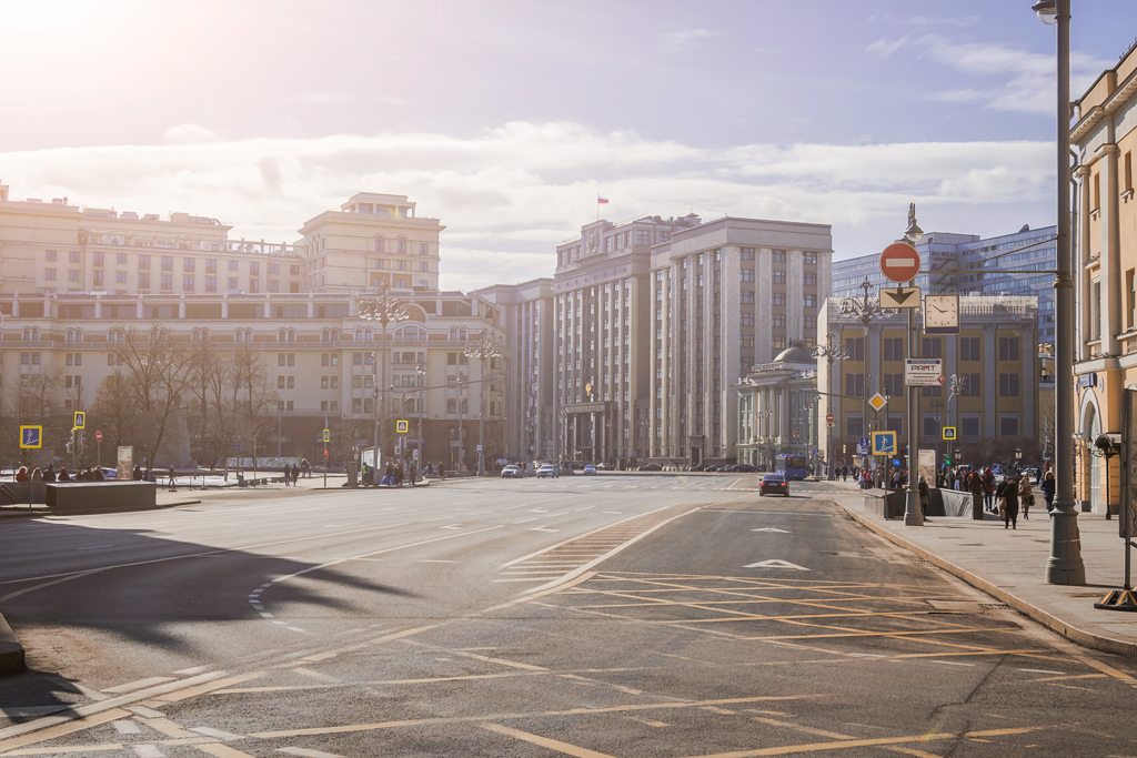 Театральный проезд и государственная Дума Москва