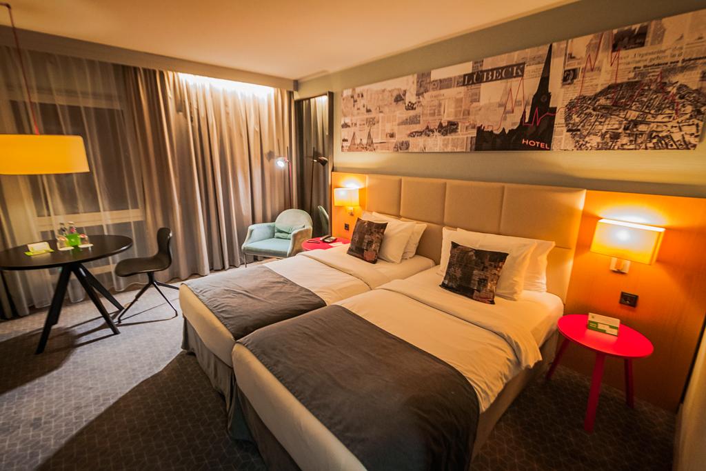 Живут же люди! отеле, двоих, довольно, отель, Хельсинки, завтраком, всего, Hotel, можно, будет, вполне, выбрали, приличном, просто, конечно, таком, ночёвки, более, номер, гораздо