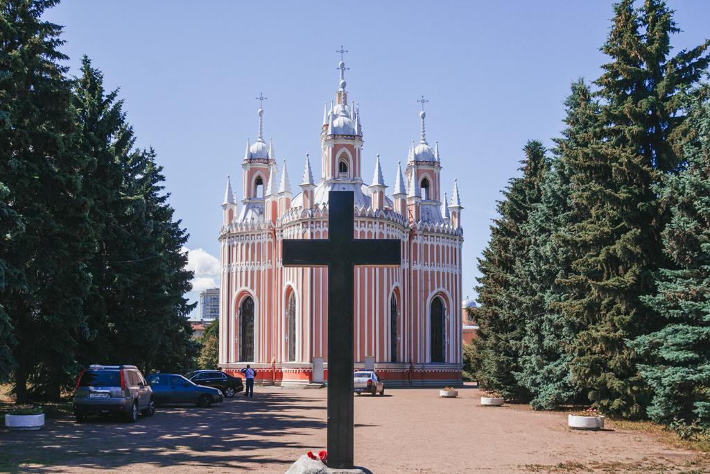 Крест и Чесменский собор