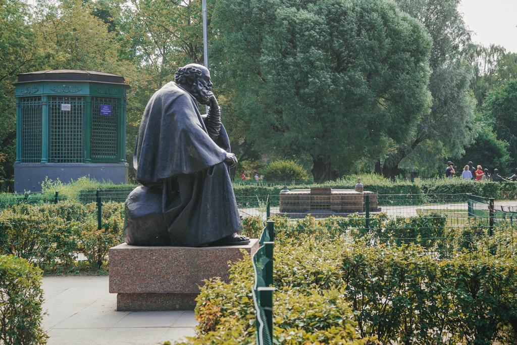 Пародия Петербурга