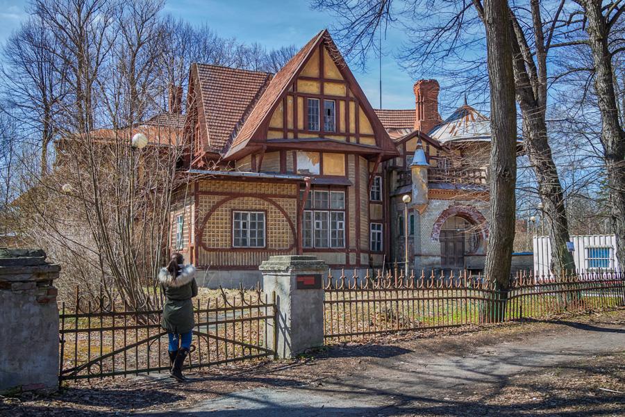 Дом Ирэн Адлер, фотография из блога Вячеслава https://alkopona.livejournal.com/