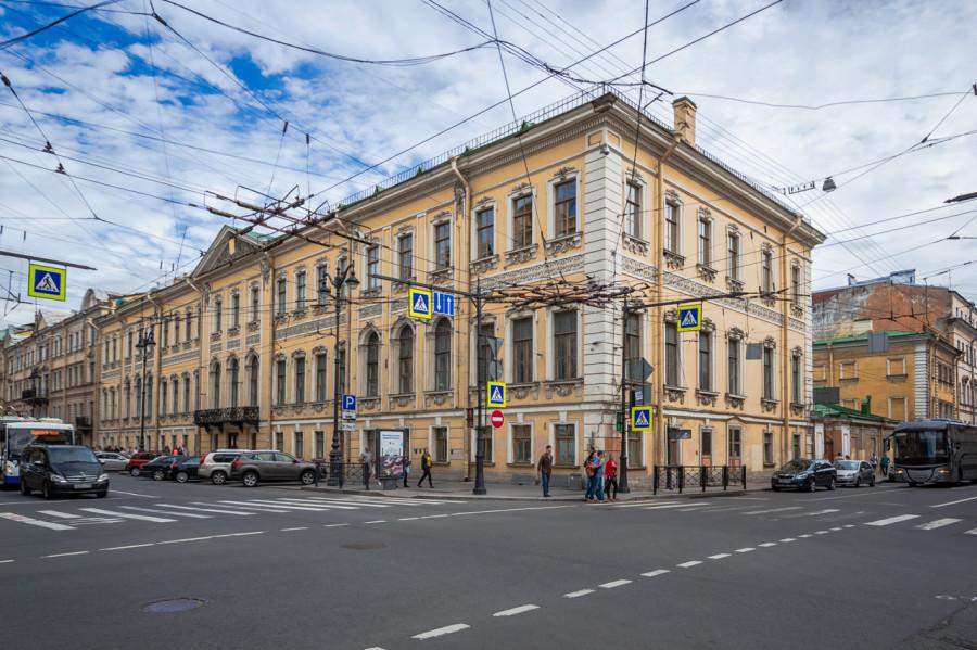 Беспилотный автобус! А что еще появится в Петербурге в этом году?