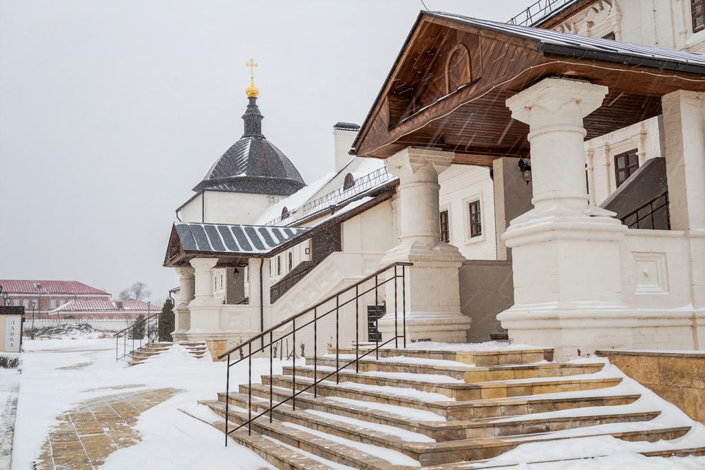 Храм в Свияжске зимой