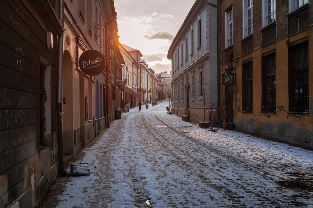 Красивая улица города Бельско-Бяла в Польше