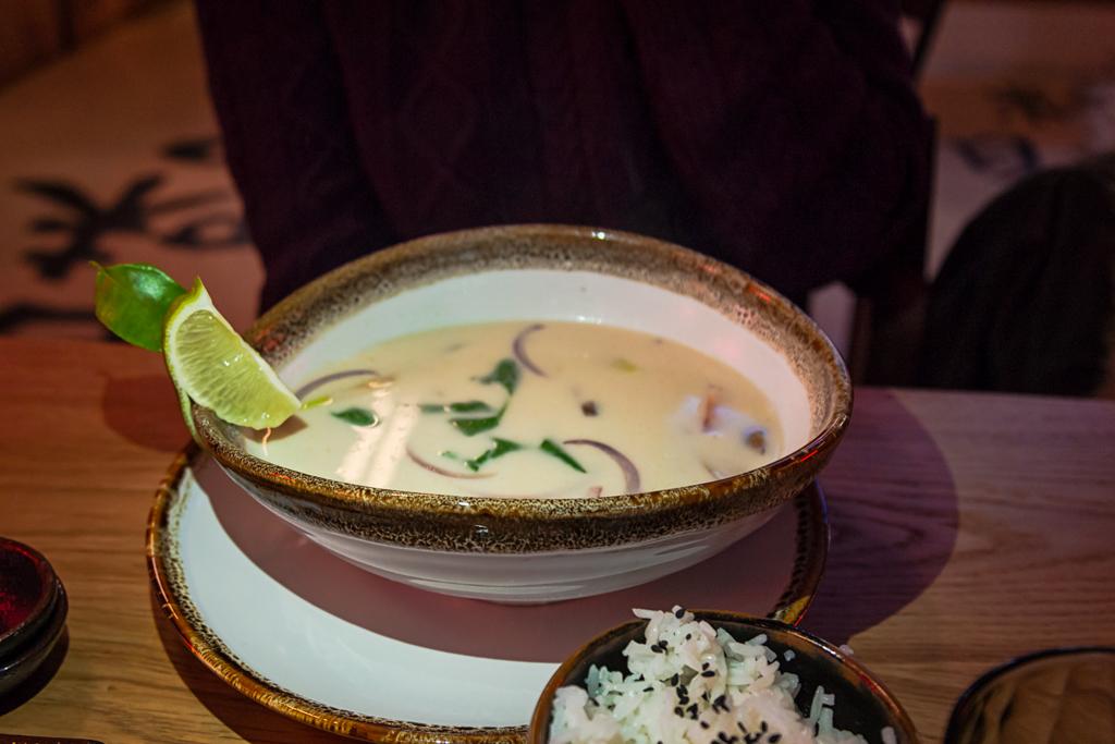 Том Кха в кафе Umami на Боровой улице
