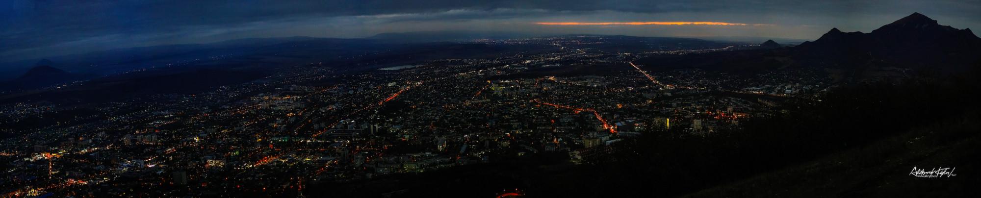 Панорама Пятигорска с горы Машук, 2020