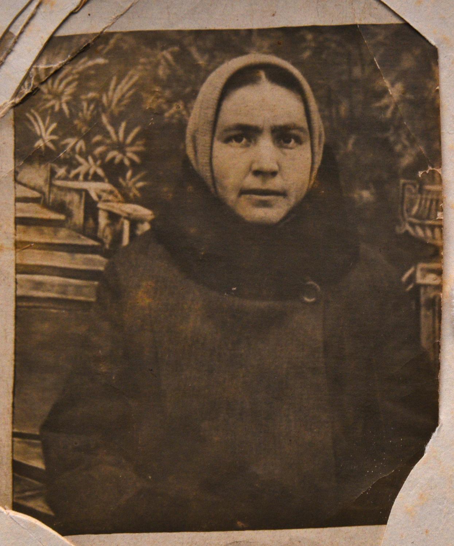 Рая (Раша) Плоткина, мать Марии Стрельциной_Быхов_1930-е