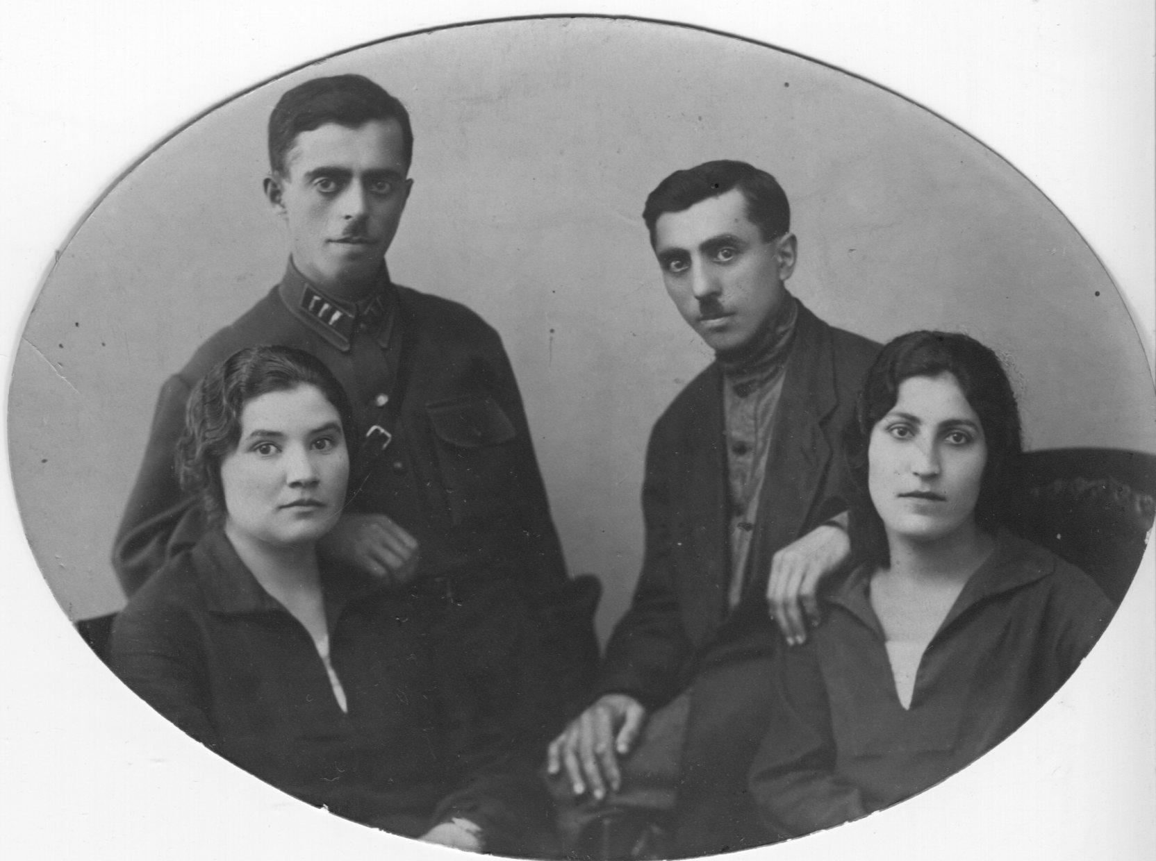 Iosif and Tereza left, Hanuk and Sonia right001