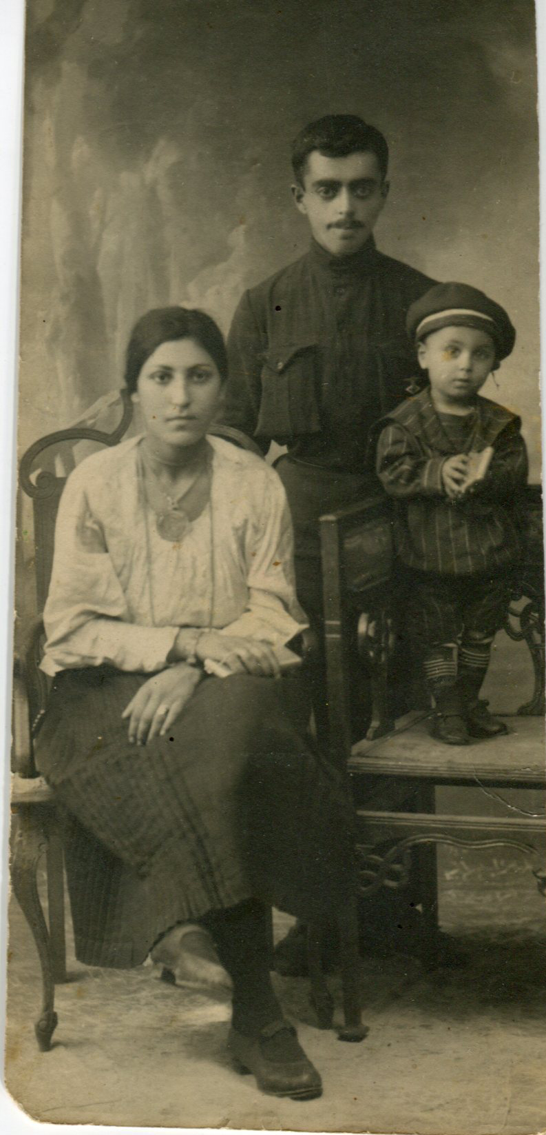 Iosif, Sonia, her son Raim001