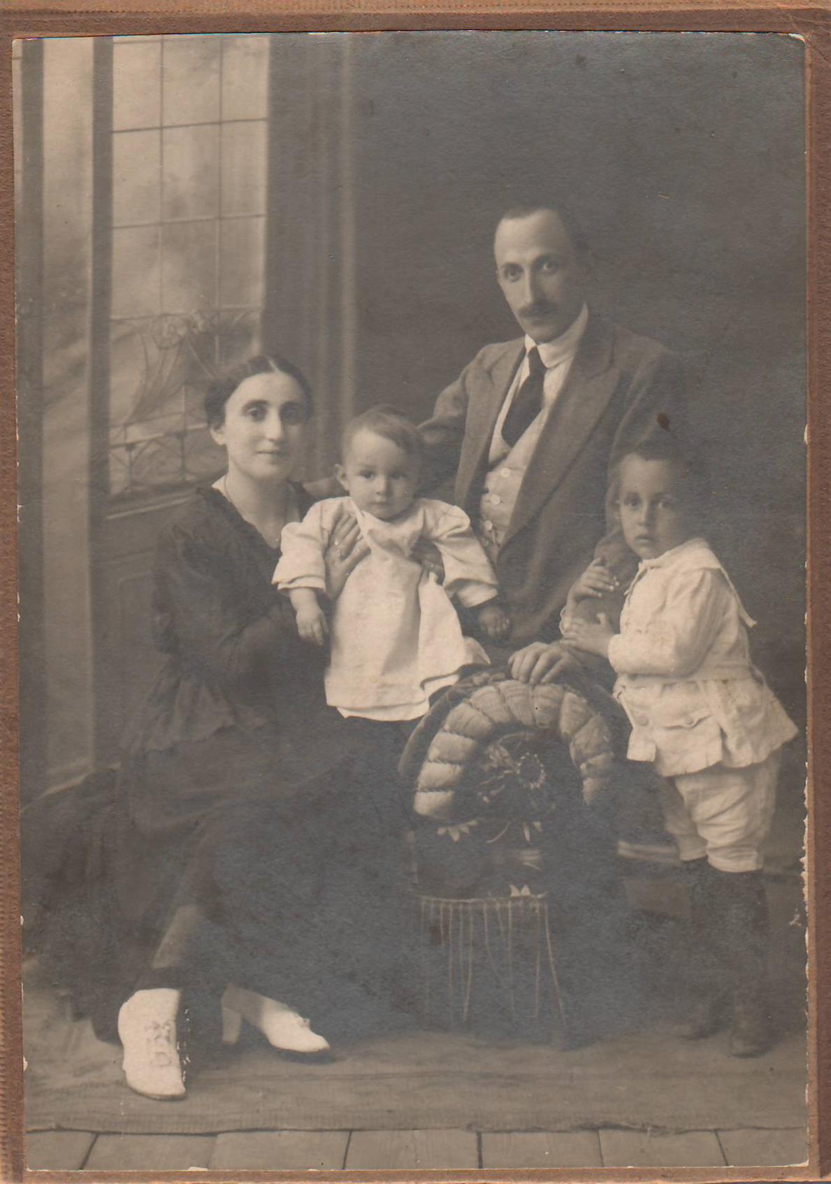 1916 - 18  Boris-Haya-sons