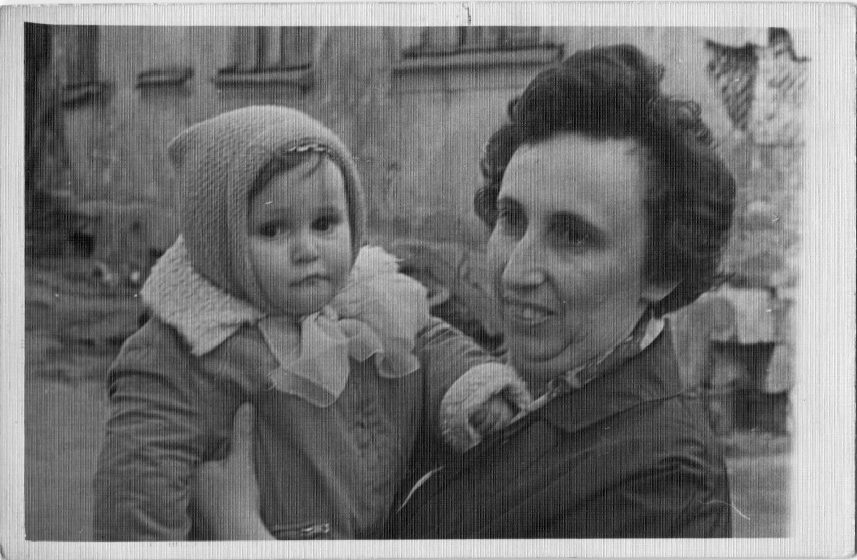 Me-Mom-Grandmom-2_May_1966