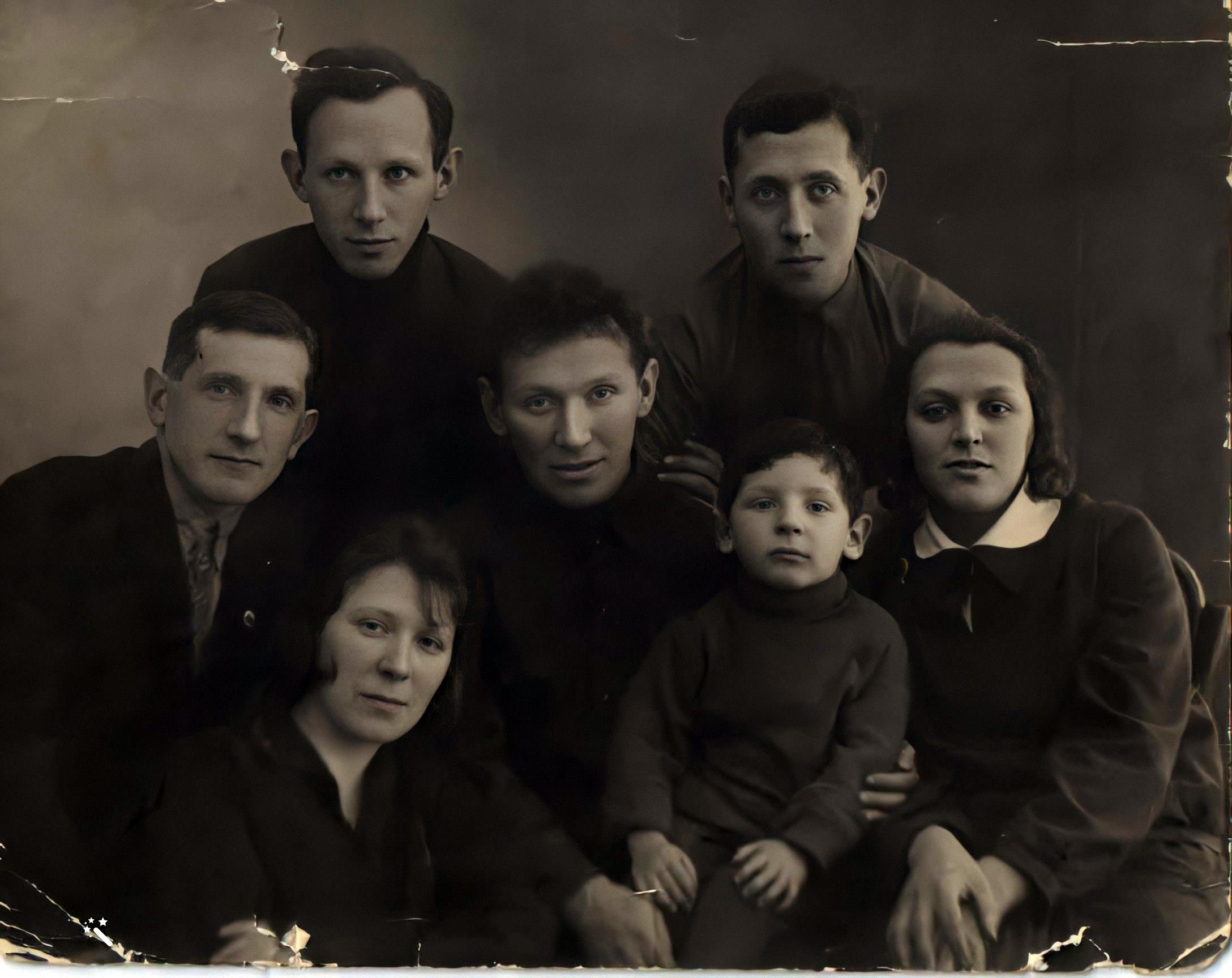 Cемья Шур,приблизительно 1929 год, Ленинград-1