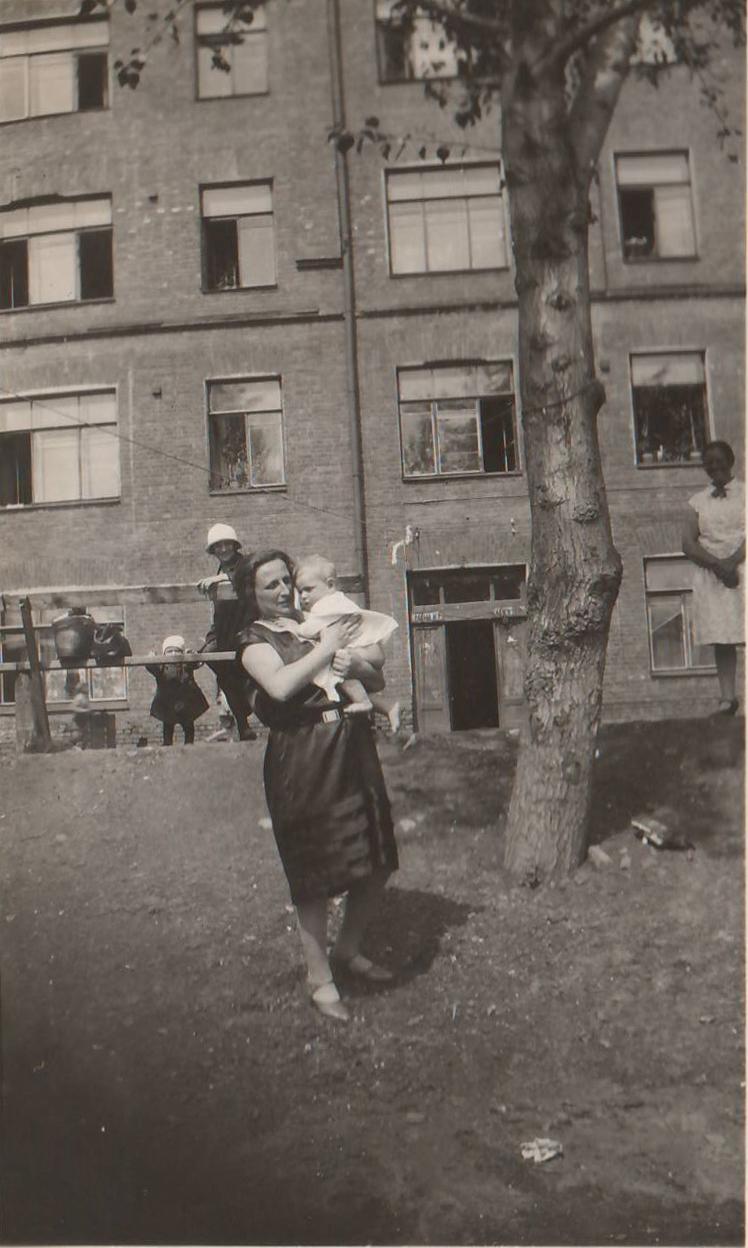1930 Zina-Leva